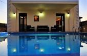#05103, Cosy villa with pool in Cretan village.